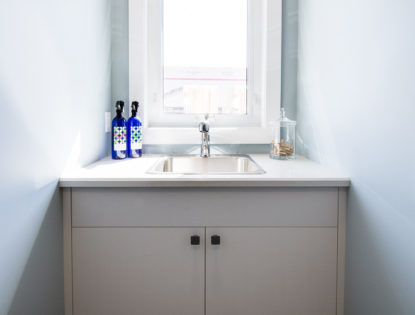 Custom bathroom vanity by Hiebert Cabinets in Bow Island, Alberta.. Bathroom | Melamine | Contemporary