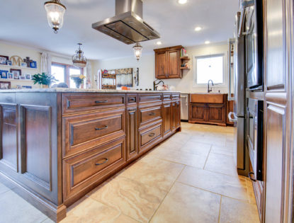 Custom kitchen cabinets by Hiebert Cabinets in Bow Island, Alberta.. Kitchen | Islands